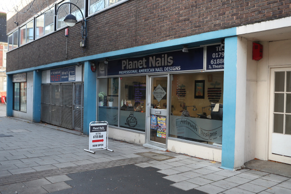 Planet Nails feature image